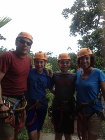 Parque Vista Arenal: My 12 year olds have no fear!!
