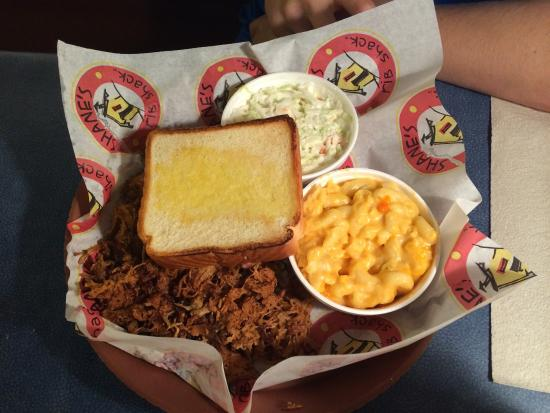 Shane's Rib Shack : Pork plate with mac and cheese and coleslaw