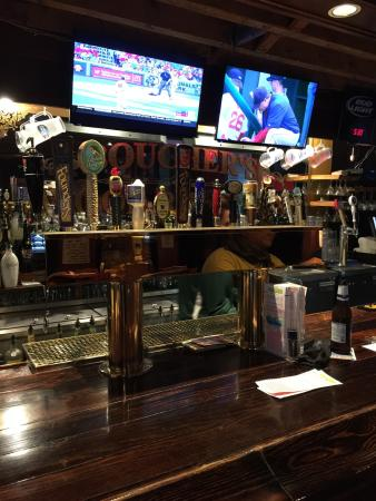 Boucher's Wood River Inn: 18 beers in draft - 15 of them craft!