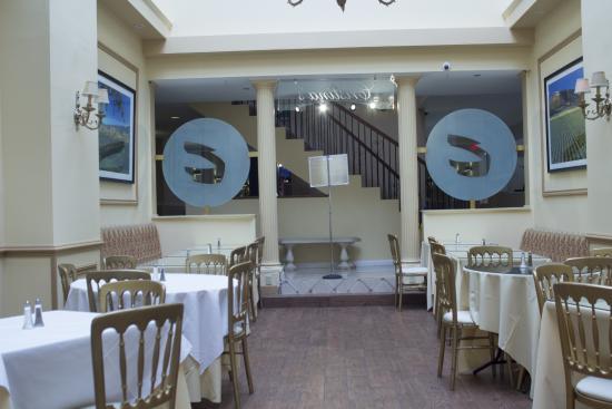 The Roslyn Hotel: RESTAURANT