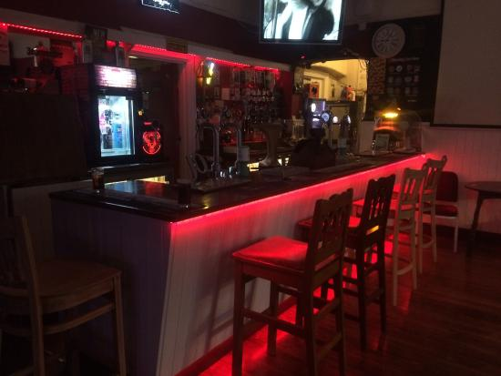 The jubilee sunbury: Public bar