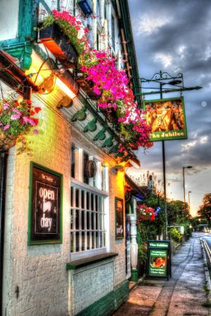 The jubilee sunbury: The jubilee pub
