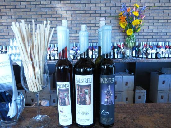 Balistreri Vineyards : the tasting bar