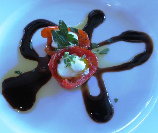 Balistreri Vineyards: free goat cheese appetizer