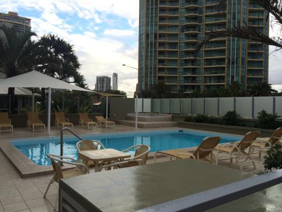 Hi Surf Beachfront Resort Apartments: Outdoor pool