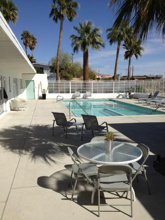 Sagewater Spa: Palms and Water