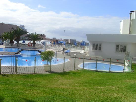 Villamar: view pool