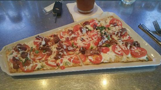 Granite City Food And Brewery: Flatbread pizza is great!