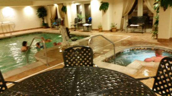 The Wildwood Hotel Pool And Hot Tub