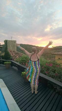 Baía do João Pousada: saudando o por do sol no deck da pousada