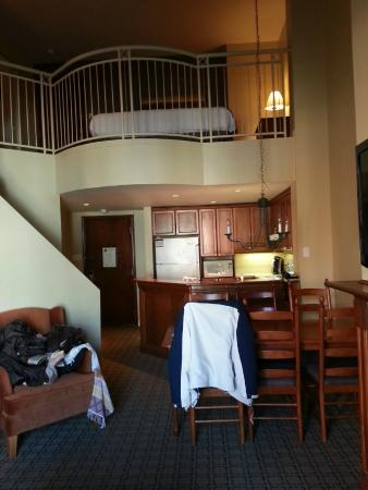 La Place St-Bernard - Les Suites Tremblant: main floor