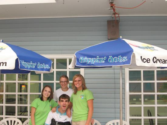 Stephan's Sugar Shack: Your home for both Hershey and Dippin dot products!