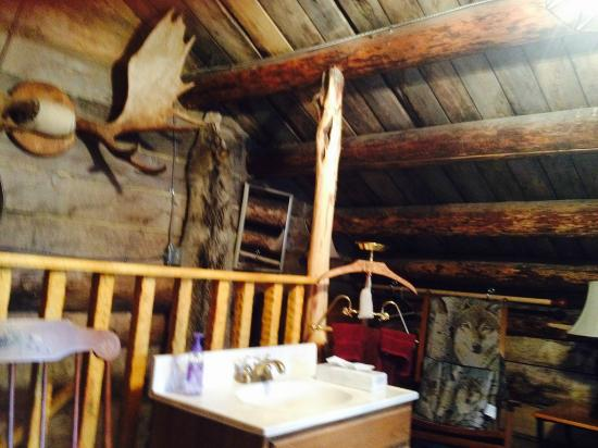 """Le Barn Appetit Inn & Creperie: """"Jack London's Cabin""""2nd floor bannister and convenience sink"""