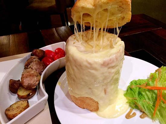 Lingo Restaurant and Wine Bar: Cheese Fondue