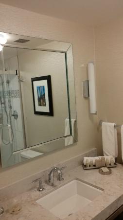 The Statler Hotel at Cornell University : Bathroom 2