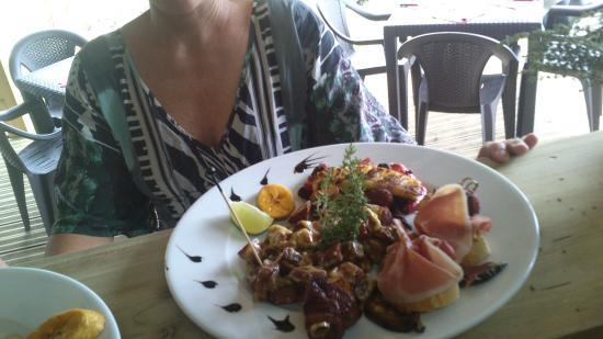 La Table du Pere Labat: assiette tapas