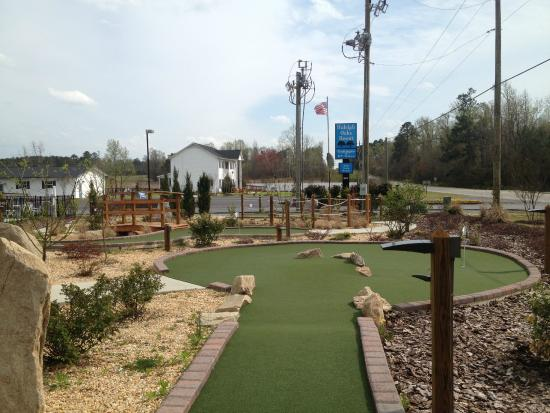 Mini Golf Picture Of Raleigh Oaks Rv Resort Amp Cottages
