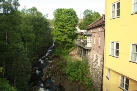 Egon Lillehammer: Outdoor dining area