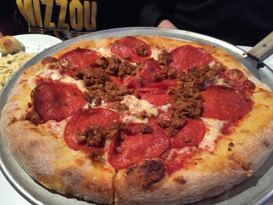 Village Pizzeria: Pepperoni and sausage pizza on original crust
