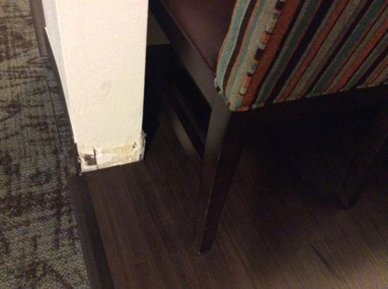Staybridge Suites - Columbus / Dublin: missing baseboard