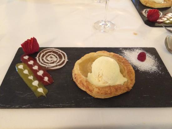 Swing Restaurante : Warm apple tart.....