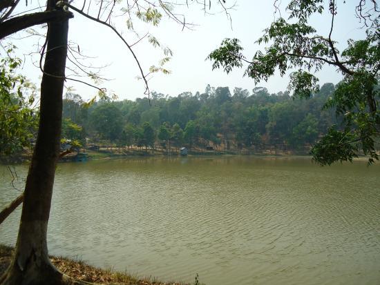 Loukoi Pat Lake
