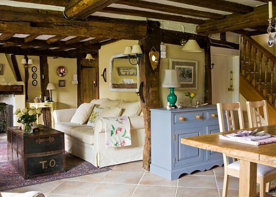 The Old Manor House Bed & Breakfast: A perfect room for a hearty breakfast