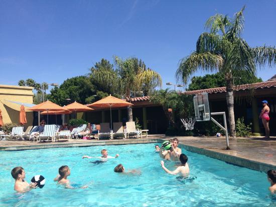 Pool basketball picture of pointe hilton squaw peak resort phoenix tripadvisor for Klamath falls hotels with swimming pool