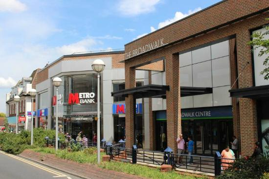 Edgware, UK: Broadwalk Shopping Centre