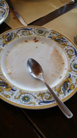 Capo Nero Tavern: piatti rotti