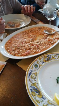 Capo Nero Tavern: questo è il risotto per 8 persone a me sembre per 2 visto quanto è raso
