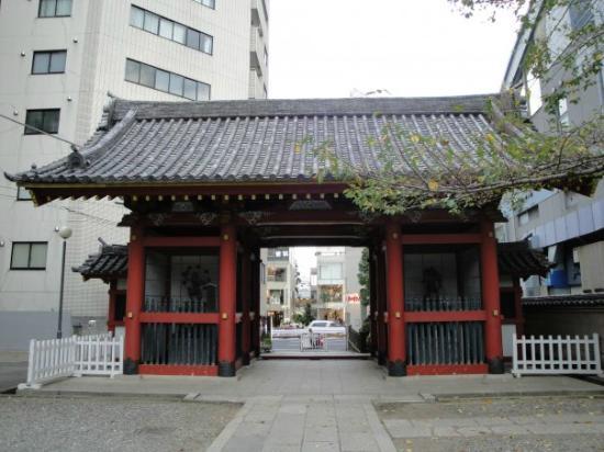 Zenkoji Temple: 入り口の門