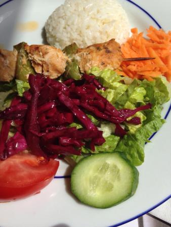 Teras Cafe & Restaurant: Menu of the day: chicken with salad and rice