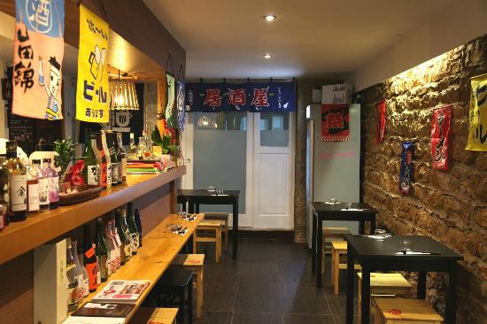 int rieur picture of kuma izakaya lyon tripadvisor. Black Bedroom Furniture Sets. Home Design Ideas