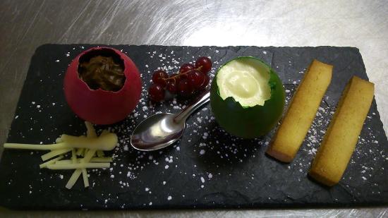 Le Belvédère : Dessert spécial Paques, duo de mousses au chocolat
