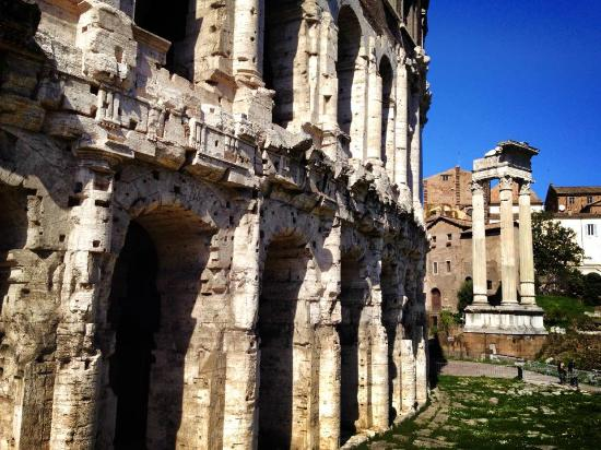 Archeoguide - Visite Culturali e Didattica Archeologica e Storico-Artistica: Teatro di Marcello