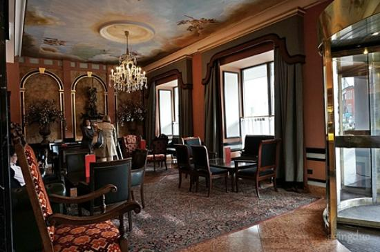 huge selection of b53aa 04c26 10 classic lobby - Picture of Eden Hotel Wolff, Munich ...