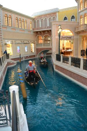 Casino at the Venetian : Les canaux et gondoliers
