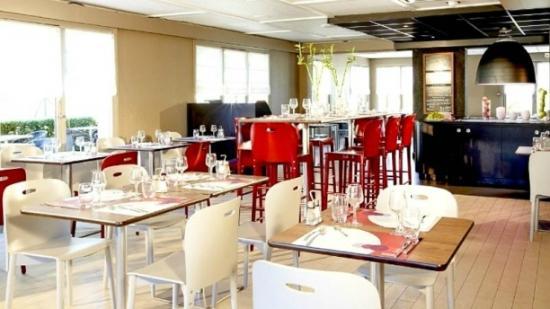 Maxeville, France : Salle de Restaurant