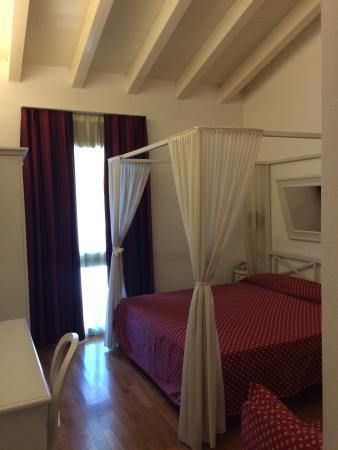 Hotel Fiera di Brescia: Camera molto carina e intima