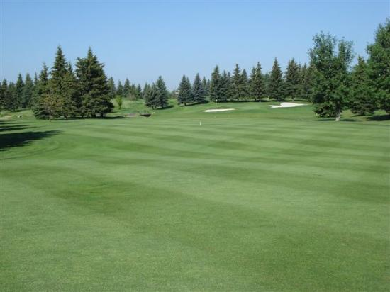 Stony Plain Golf Course: 16th fairway