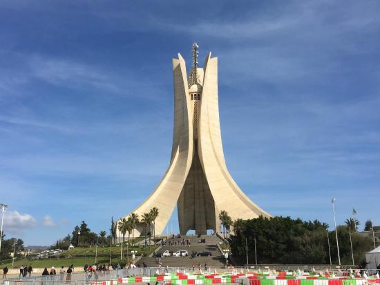 Memorial du Martyr: Martyrs' monument