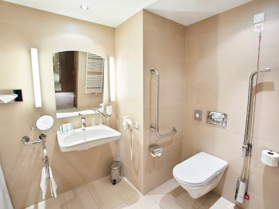 austria trend hotel savoyen vienna barrierfree bathroom