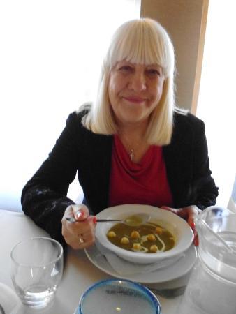 Perla Hotel: zupa krem z groszku zielonego