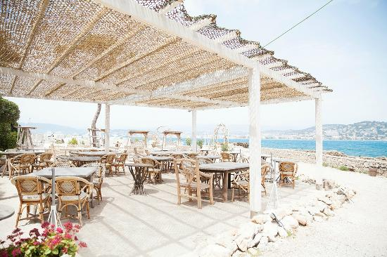 terrasse restaurant picture of la guerite cannes tripadvisor. Black Bedroom Furniture Sets. Home Design Ideas