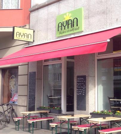 Ayan Filipino Streetfood Berlin Mitte Bezirk Restaurant