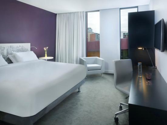 Innside guest room picture of innside manchester for Hotel innside