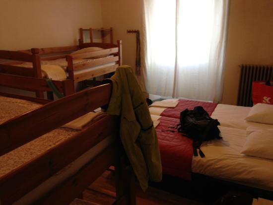 Hotel La Rafale : La chambre à 6 lits