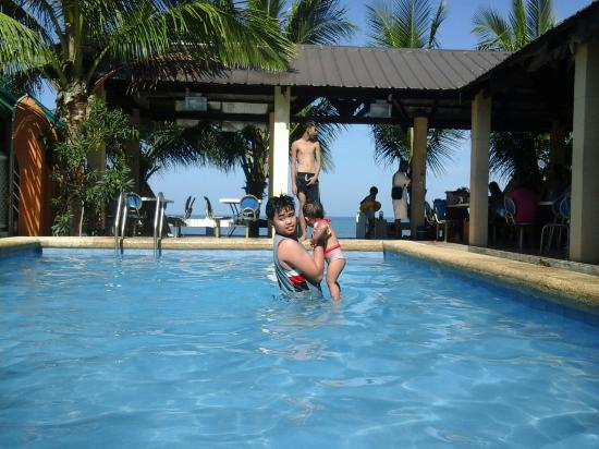 Cozy quiet relaxing ambiance picture of alpina beach resort morong tripadvisor for Beach resort in morong bataan with swimming pool