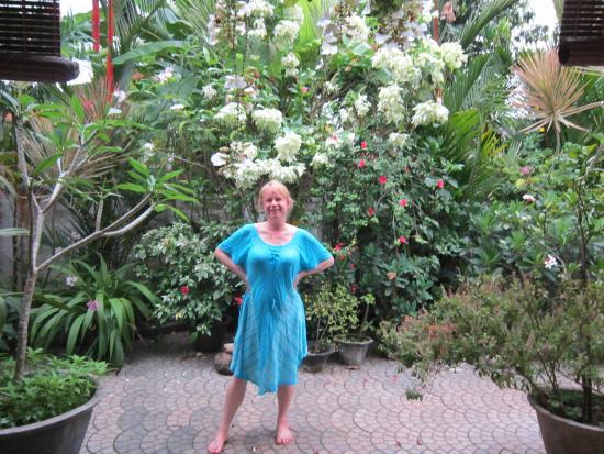 Bella Homestay : Flowers!